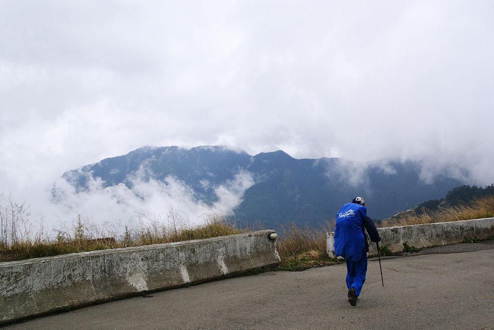 奇萊Day1-08 屏風山出現