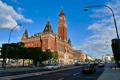 Helsingborg, city hall (Hkan Dahlstrm) Tags: street city blue sky azul hall blauw day sweden blu schweden ciudad clear bleu stadt sverige blau ville stad citt helsingborg rdhuset bl sude svezia skanelan