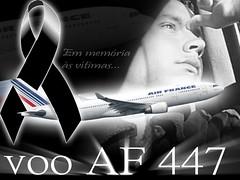 Fuerza Aérea de Brasil encuentra 2 cuerpos del vuelo AF 447, un asiento y una maleta