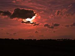 Falso Eclipse / False Eclipse (sordojr) Tags: sunset shadow sky cloud naturaleza art nature field silhouette clouds sunrise canon landscape atardecer is spain power arte shot dusk sombra paisaje powershot badajoz amanecer cielo campo paranoia nube extremadura flickrsbest sx100 pacense sx100is sordojr paranoiart paranoiadelarte paranoiarte