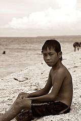 antulang bata (Christian Inoferio) Tags: ocean morning beach kids children boat fisherman sand felix philippines christian dumaguete antulang dagat banka gallon inoferio