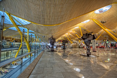 Barajas Madrid Airport T4, Landside 2, Check-in area, HDR (marcp_dmoz) Tags: madrid espaa canon reflections eos check airport spain flughafen baggage aeropuerto hdr comunidad spanien equipaje reflejos checkin iberia t4 terminal4 barajas koffer maletas spiegelungen gepck landside 50d aeroporte facturacion fackturierung