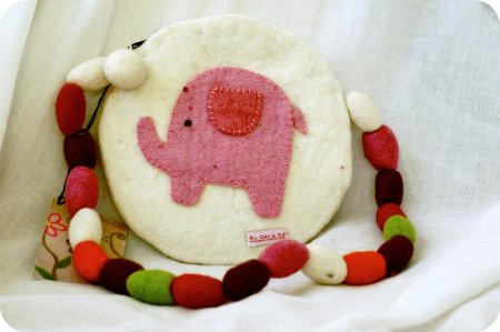 Felted elephant purse from En Gry & Sif