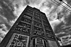 Strawbridge & Clothier Warehouse (paul drzal) Tags: northernliberties strawbridgeclothier eskepe abandonedphiladelphia warehousebuildings