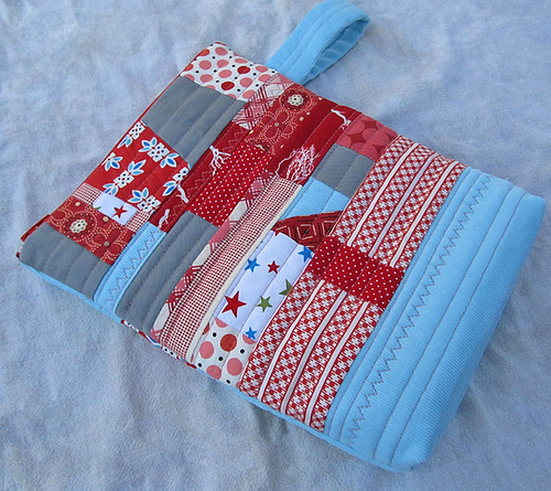 little zipper pouch red patched Front