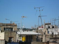 Toits Barcelone (Pauloooooooo) Tags: barcelona roof toits