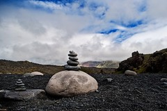 Cairns (Photos On The Road) Tags: panorama lava iceland pietre islanda camminare manufatti 5photosaday