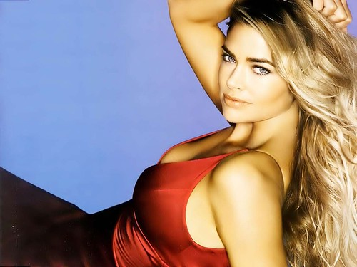 Denise Richards desktop computer wallpaper 1024x768
