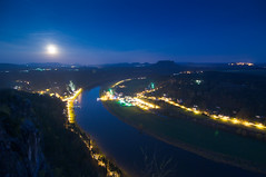 Moon Rising over Saxony (Xindaan) Tags: longexposure trees fab sky moon mountain mountains tree nature water rock night river germany stars landscape deutschland schweiz evening abend mond nationalpark nikon sandstone wasser nacht dusk saxony natur himmel fullmoon tokina berge clear sachsen bluehour dmmerung landschaft fortress sandstein baum mesa elbe bastei manfrotto sterne felsen vollmond tafelberg festung lilienstein langzeitbelichtung schsische rathen kurort d300 elbsandsteingebirge blauestunde saxonswitzerland 1116 flus flickrsbest 460mg mywinners knigsstein 055mf4 infinestyle theunforgettablepictures 1116mm tokina1116mmf28 atx116prodx vosplusbellesphotos 281116