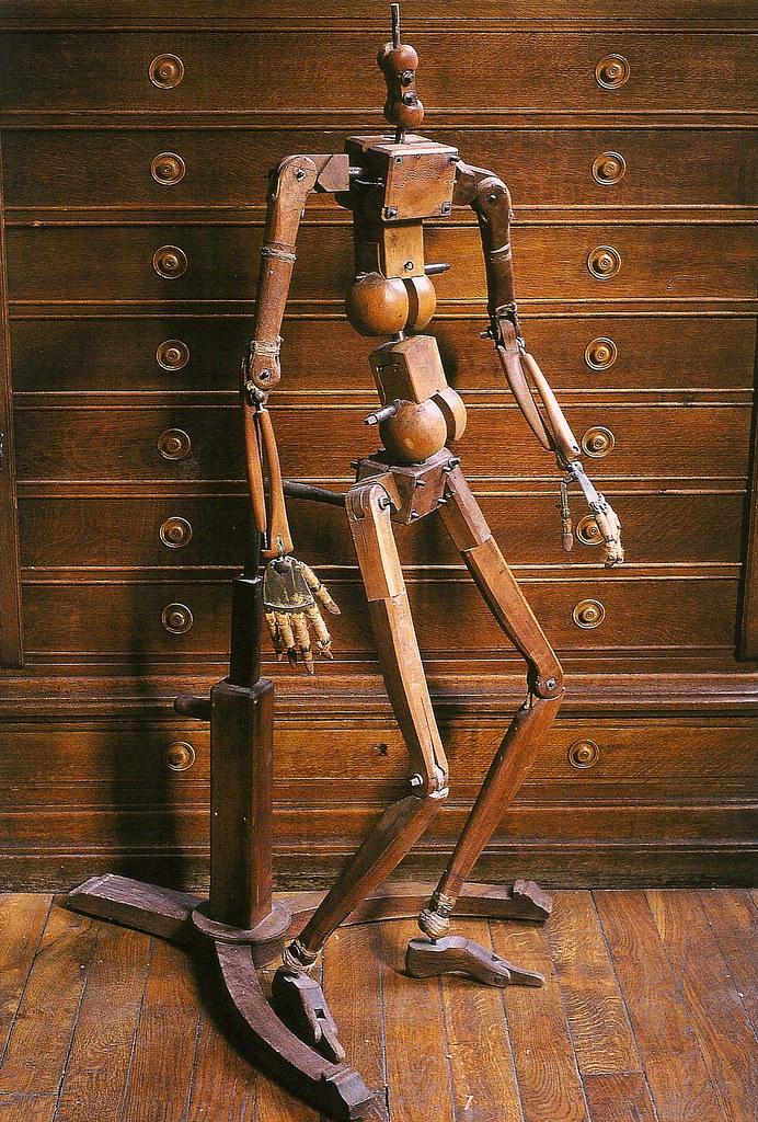 """Mannequin datelier articulé, fin du XCIII siècle. Signed, """"Guillois."""" École des Beaux-Arts, Paris."""