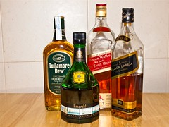 Whiskies (miguelno) Tags: bottles cuttysark emerald johnniewalker tullamoredew botellas whiskies whishy