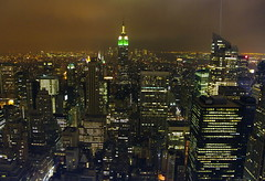 The city that never sleep... (SBA73) Tags: city nyc panorama usa ny newyork rock architecture night skyscraper observation lights luces noche arquitectura view unitedstates manhattan platform rockefellercenter ciudad deck esb empirestatebuilding empirestate therock rockefeller notte topoftherock nit ciutat estadosunidos nuevayork llums rascacielos gratacels gebuilding novayork neversleeps estatsunits