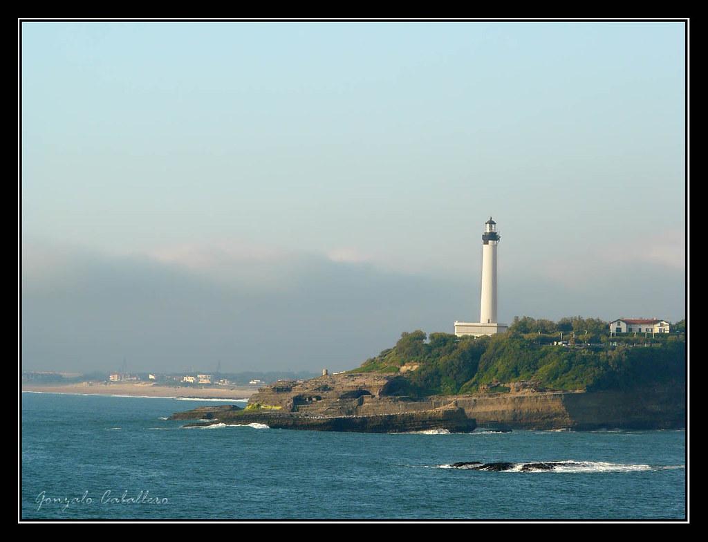 Faro desde Le Rocher de la Vierge (Biarritz)