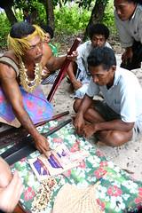 Explaining Bowl Sizes and Names (U Jay) Tags: polynesia solomonislands tikopia polynesiandance polynesianoutliers