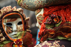 mirror and mask | Carnevale (arnabchat) Tags: carnival venice light italy reflection colors festival mirror europe mask explore carnevale venezia favs 2009 sanmarco maschera veneto carnevaledivenezia carnivalofvenice venicecarnival canon400d arnabchat arnabchatterjee carnevaledivenezia2009
