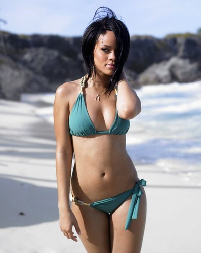 Rihanna bikini picture