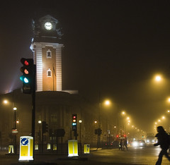Lambeth Town Hall (Joe Dunckley) Tags: uk england mist london fog night 123 southlondon streetscape brixton pif londonist 2for2 123a twtme a1f1 p1f1 lambethtownhall 123c