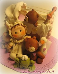 Cake topper: 'Baby and friends' (marytempesta) Tags: polymerclay caketoppers mmmilikeit
