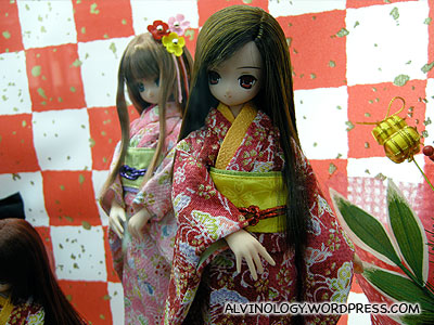Kimono dolls