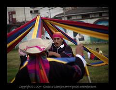 Tejiendo un pas / Weaving a country (gustavo@morejon.ec) Tags: party festival fun guineapig cuy dance ecuador fiesta danza folklore tradition cuenca tradicin folclore floklore benignomalo fiestasdecuenca