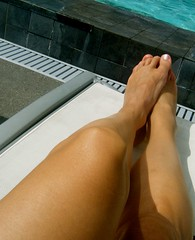chillaxin (skintone) Tags: sun feet me water pool sanantonio toes texas legs lounge thighs ps knees tanned calves chillaxin toenailpolish