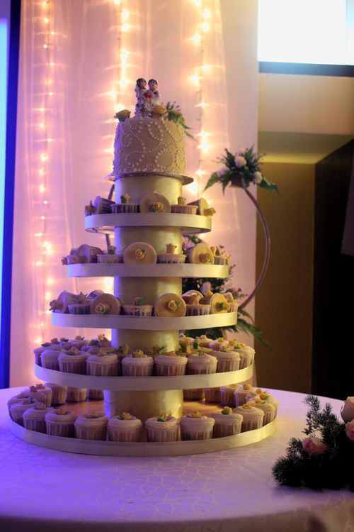 Jimmy and Sherene Wedding Cake