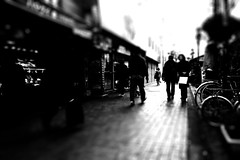 machida (chihilo) Tags: street people bw woman man japan canon bokeh femme highcontrast  japon homme  machida