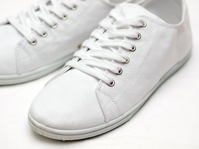 H&M / Canvas Sneaker
