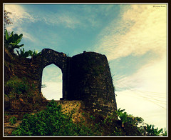 Witness to the History... [Explored #384] (D a r s h i) Tags: old india mountains building history architecture clouds fort hill carving historical killa sinhagad pune shivaji shivajimaharaj gadh marathas kondhana