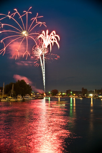 (2009-07-04) Port Clinton Fireworks - 0081