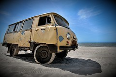 UAZ (P a U L i u S) Tags: sea summer beach car sand rusty wideangle balticsea oldcar suv lithuania palanga uaz sovietcar enfuse exposurefusion