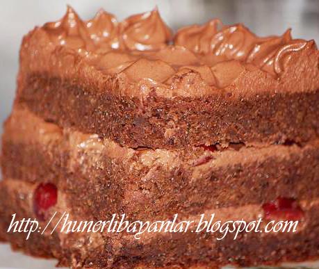 Çikolatalı Kirazlı Pasta