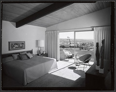 Pacifica Tract, Master Bedroom (Chimay Bleue) Tags: california ranch old white house black beach home monochrome modern vintage bay la bed bedroom chair san view post pacific interior diego diamond beam southern socal photograph mission soledad residence bertoia atomic pacifica jolla midcentury postwar tract mcm shulman