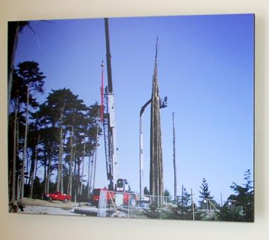 2workers-on-spire-w_crane.jpg