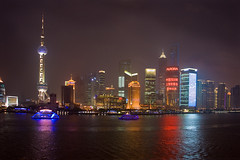 Shanghai skyline at night (Pudong) (Dutch Dennis) Tags: china city nightphotography urban reflection skyline river dark lights asia neon cityscape shanghai dusk landmarks bluehour oriental pudong blaue stunde shanghaiworldfinancialcenter canon400d canon1740f4lusmgroup