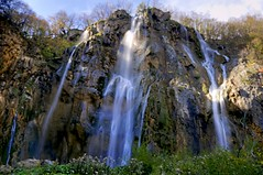 Veliki slap (Big waterfall) (Uros P.hotography) Tags: world park wood autumn trees sky cloud sun lake color colour tree heritage tourism water beautiful leaves forest photoshop river bench walking waterfall duck leaf moss fantastic woods nikon tour view superb hiking path unique awesome famous great lakes croatia sigma tourist unesco national cascades stunning excellent barrier travertine incredible karst 1020 hdr breathtaking hrvatska rijeka d300 reka worldfamous jezero kras photomatix jezera korana narodni nacionalni hrvaška slod300