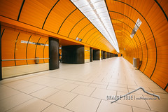orange tube (mcPhotoArts) Tags: architecture germany subway mnchen bayern deutschland bavaria events oberbayern location ubahn architektur orte ereignisse marienplatz untergrund mvg ubahnmnchen vision:outdoor=0654 fotowalkmnchen ffgapamuc