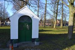 Drieskapel, Opdorp (Erf-goed.be) Tags: geotagged dries kapel oostvlaanderen buggenhout archeonet opdorp geo:lat=510271 geo:lon=42184 drieskapel