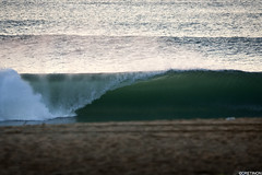 (Paul Crtinon) Tags: sunset beach offshore barrel vague beachbreak