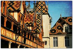 Toitures en tuiles vernissées de l'Hospice de Beaune, Côte-d'Or, Bourgogne, France (claude lina) Tags: france bourgogne beaune hospices hôteldieu côtedor