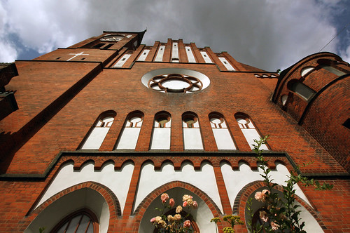 "St. Ansgarkirche Kiel 13 • <a style=""font-size:0.8em;"" href=""http://www.flickr.com/photos/69570948@N04/19665518521/"" target=""_blank"">View on Flickr</a>"