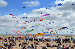 Crowd at St Annes Kite Festival (Tony Worrall) Tags: show county uk england english kids fun town nw tour place northwest country north visit location kites tony lancashire resort event coastal area northern stannes kitefestival lancs fylde fyldecoast worrall stannesonsea visitlancashire welovethenorth 2015 2015tonyworrall