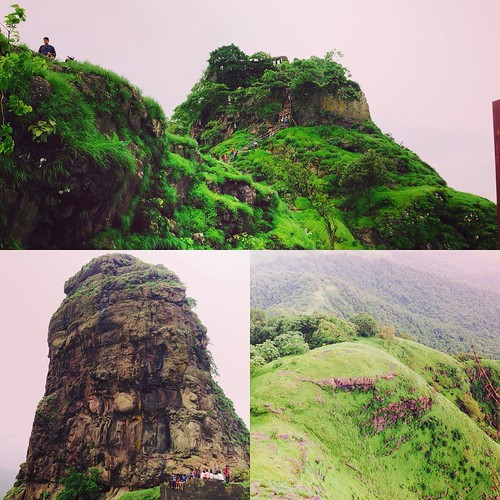 Karnala Fort situated at #Raigad about 50 km from #mumbai. It consists two forts. At the centre of higher fort is a huge pillar. It looks like it used to be a watchtower. Now there is no possible way to climb it. #ruined #forts #of #Maharashtra #hiking #r