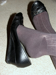 002 (AC1914) Tags: feet shoe shoes tights wedges greytights ribbedtights blackwedges