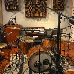 Fully Mic'd (Pennan_Brae) Tags: musicalinstrument instrument recordingsession ludwigdrums drumporn recordingstudio musicproducer soundengineer soundengineering musicproduction mic mics cymbals musicstudio music microphones microphone recording drummer drumming drumkit drumset percussion drums