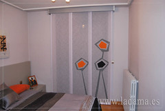"Cortinas dormitorio moderno - Panel Japones LaVentadeColores • <a style=""font-size:0.8em;"" href=""http://www.flickr.com/photos/67662386@N08/9194688906/"" target=""_blank"">View on Flickr</a>"