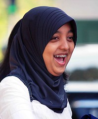 2009_04_28_9999_161fr (Mangiwau) Tags: street girls tooth indonesia asian braces teeth hijab jakarta gigi raya jalan dentistry indonesian jabotabek jilbab djakarta cewek pinggir dki ibukota behel