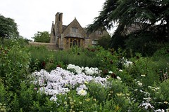 Hidcote Manor Garden (NT) (Dave Catchpole) Tags: trees plants english canon garden lawrence topiary rooms crafts arts cotswolds gloucestershire national trust wilderness manor shrubs borders johnston chipping hidcote campden topiaries 50d bartrim