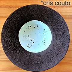 esmaltando pratos... (cris couto 73) Tags: plate handpainted prato criscouto