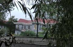 据称,这座军队住宅大院里的宾馆是谷俊山为了巴结领导而建的。